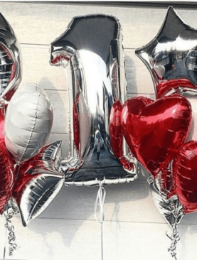 Набор из фольгированной цифры и 12 сердец-звезд
