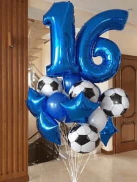 Набор из 8 фольгироанных звезд и футбольных мячей, 5 латексных шаров и 2 фольгированнхы цифр